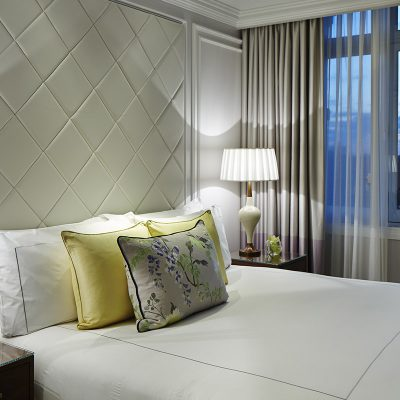 Bedroom suite with beautiful views of the skyline from the London Marriott Hotel – Park Lane, London